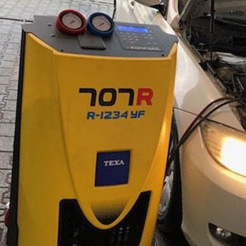 Nuova ricarica aria condizionata con gas R1234YF a Roma Autofficina Rischia aperto anche il sabato mattina